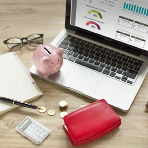 presupuesto y laptop